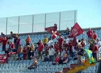 Livorno polemica tifosi calciatore amaranto Serie B