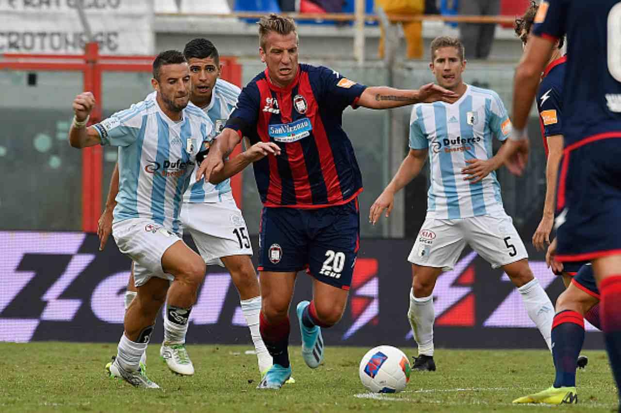 Crotone, infortuni pesanti: col Benevento fuori Maxi Lopez