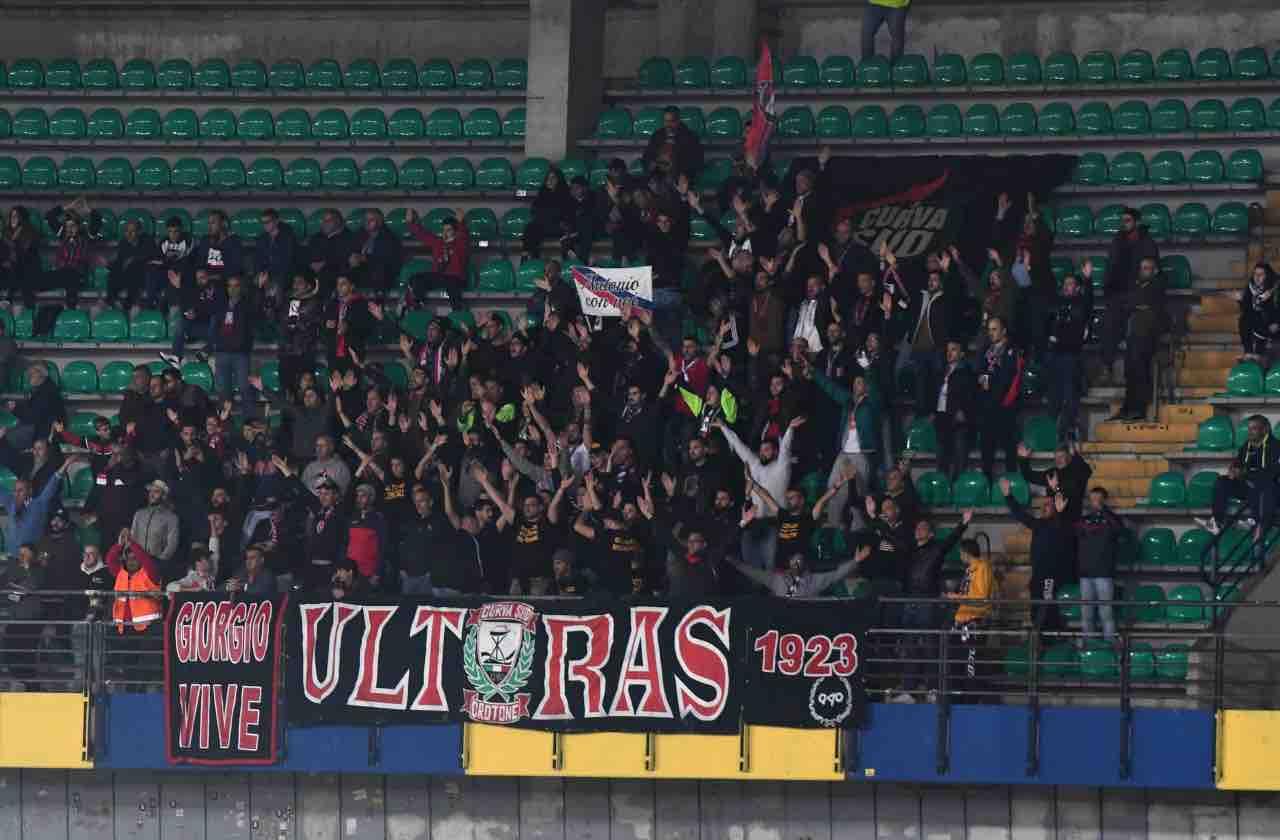 Crotone Vrenna squalifica ricorso Giudice Sportivo Cosenza Serie B