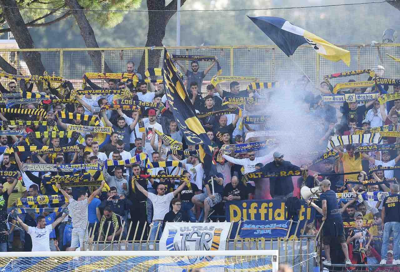 Pisa tifosi Serie B Juve Stabia
