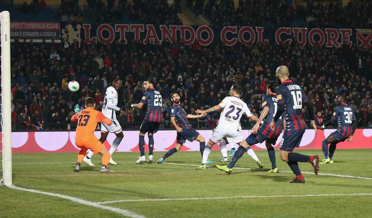 Cosenza Crotone Serie B Var