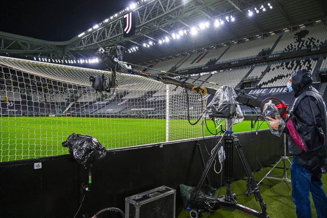 Diritti tv Serie A 2021-2024: DAZN in vantaggio su Sky