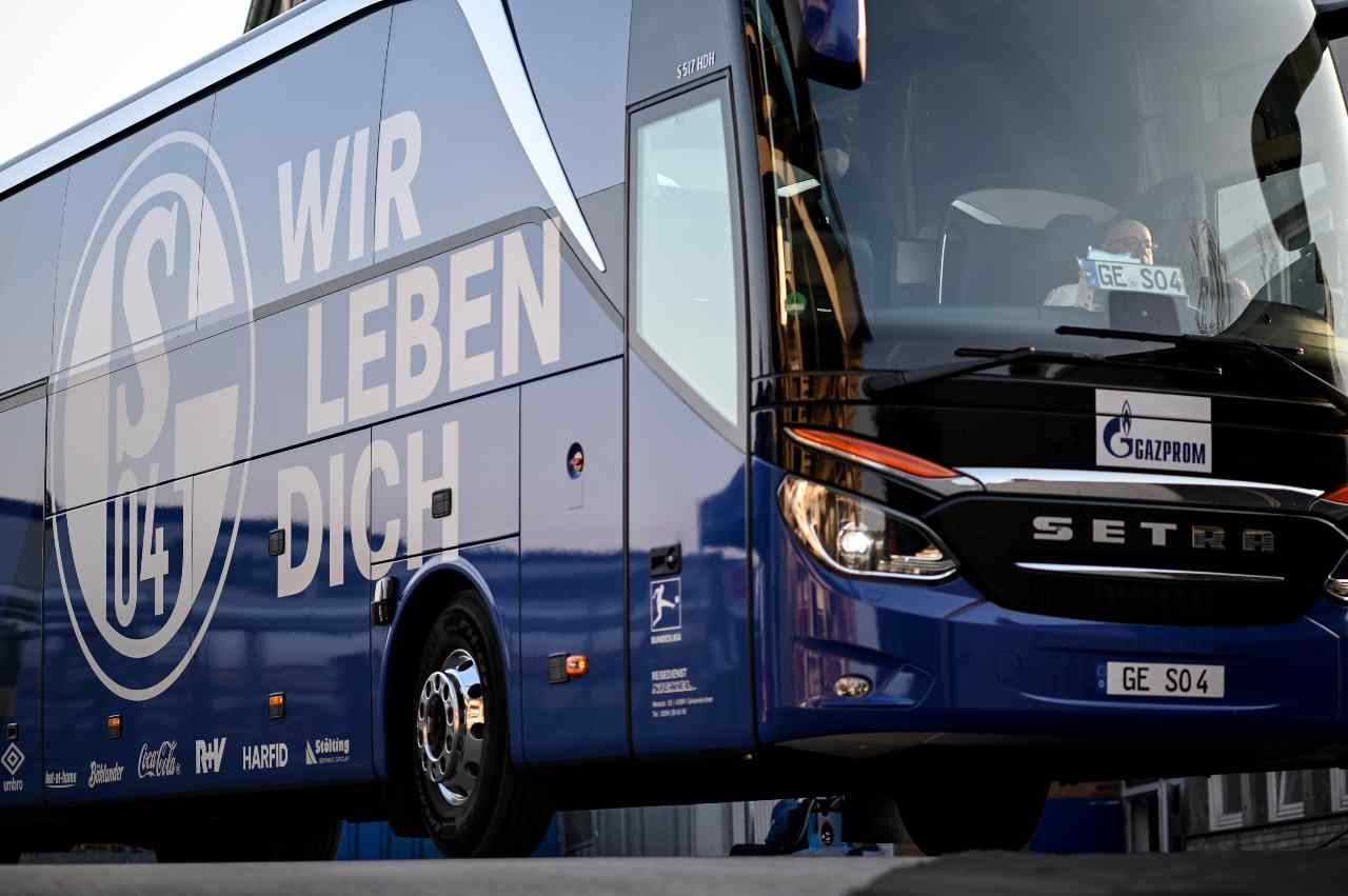 Schalke 04, disordini dopo la retrocessione in Serie B | Club sotto scorta