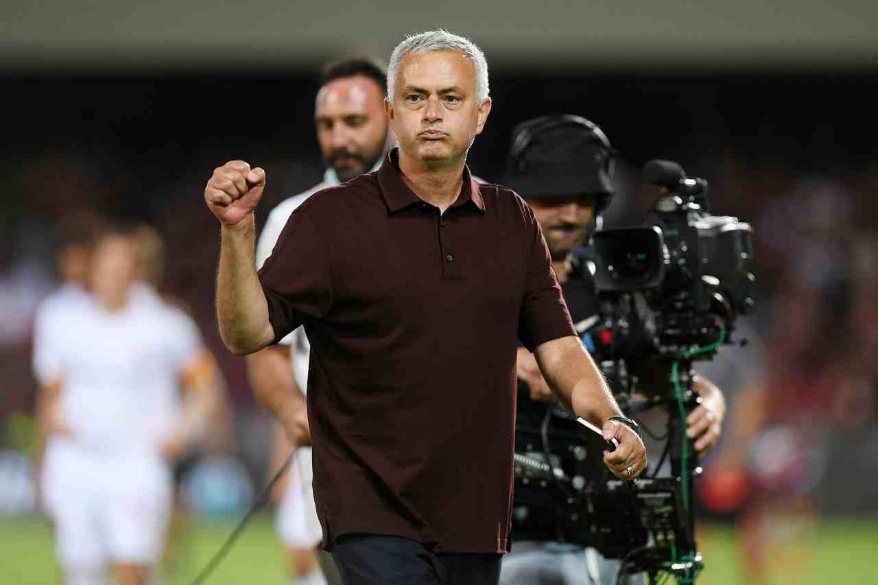 Calciomercato, Mourinho e non solo sul centrocampista: regia di Mendes