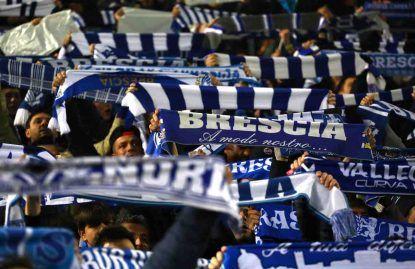 La curva dei tifosi del Brescia (foto Getty Images).