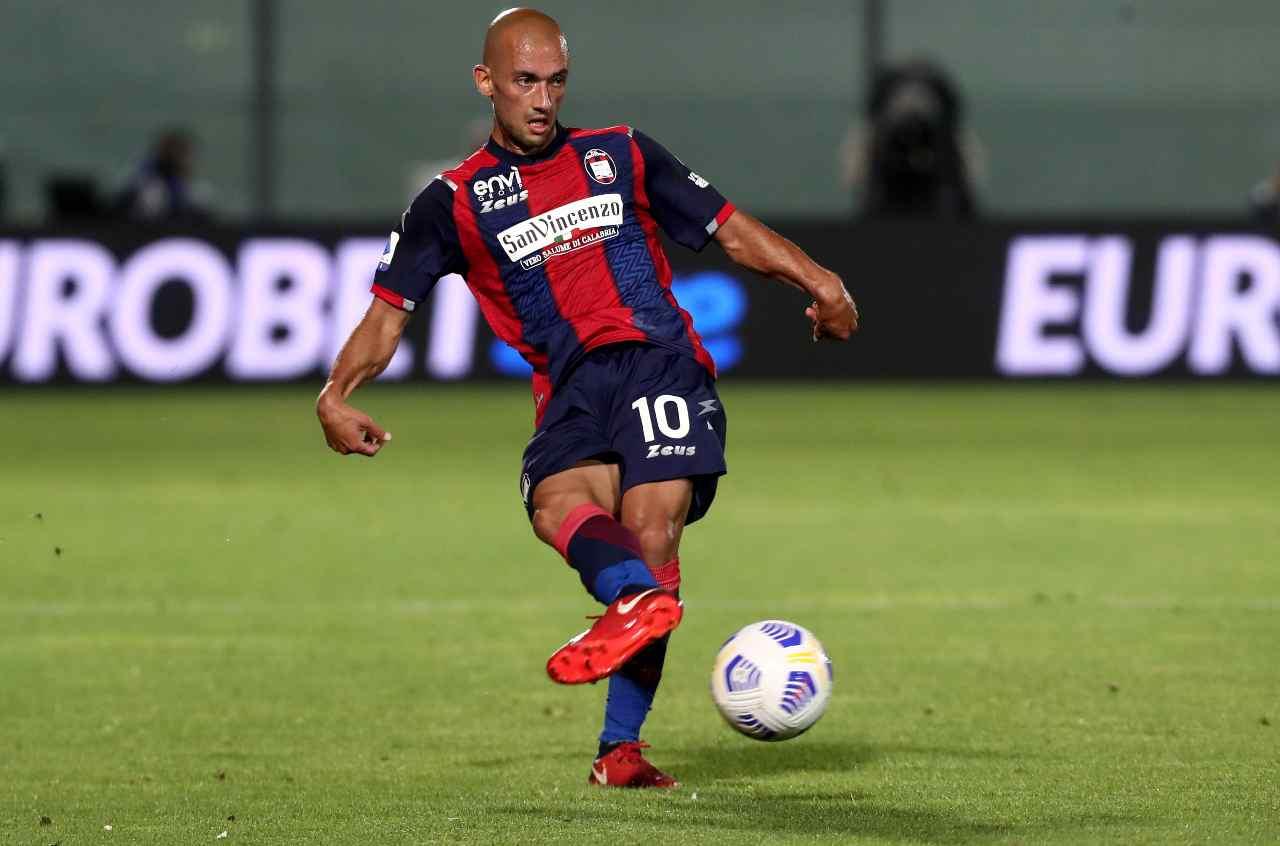 Il centrocampista e capitano del Crotone, Ahmad Benali. Foto © Maurizio Lagana/Getty Images.