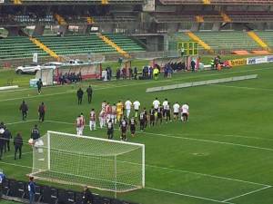 Ternana-Varese entrano in campo